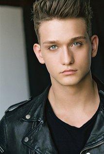 Cody Saigntnue Hedshot