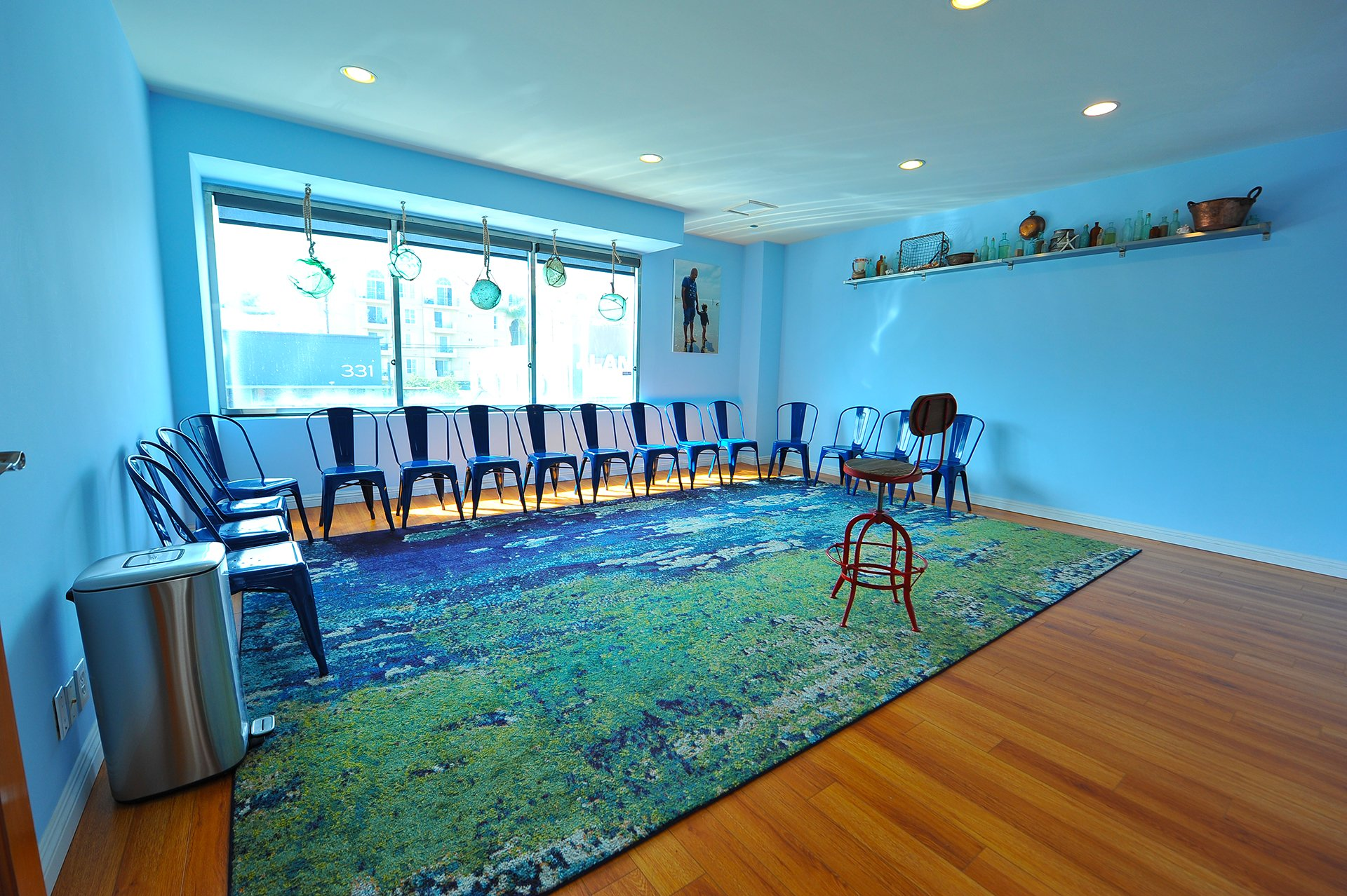 Zak Barnett Studios Classroom - Beach Room- Studio Environment