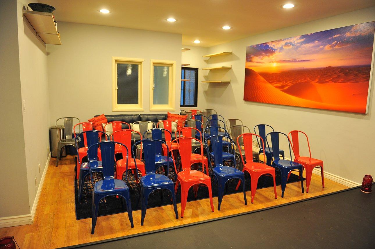 Zak Barnett Studios Classroom - Desert Room Studio Space